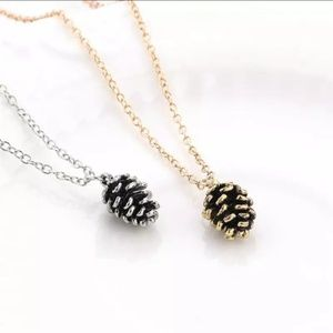 Jewelry - Luxe Gold Pine Cone Necklace